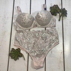 Victoria's Secret 32C Wicked Lined Bra Pink Set